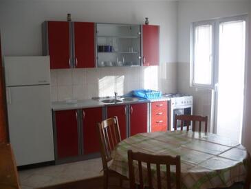 Metajna, Kuchyně v ubytování typu apartment, domácí mazlíčci povoleni a WiFi.