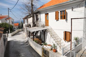 Okrug Gornji, Čiovo, Property 5253 - Vacation Rentals with pebble beach.