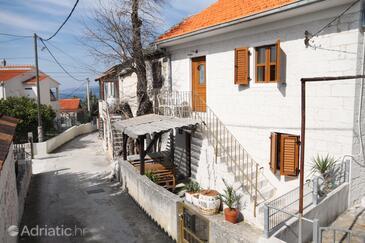 Okrug Gornji, Čiovo, Property 5253 - Vacation Rentals with pebble beach.