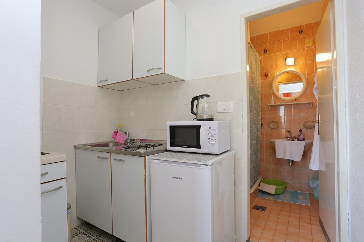 Studio Appartment im Ort Tu?epi (Makarska), Kapazi Ferienwohnung