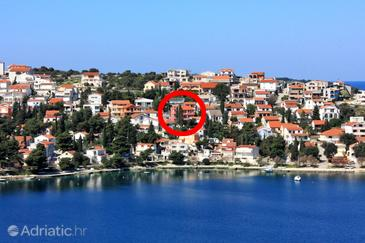 Rogoznica, Rogoznica, Property 5269 - Apartments near sea with pebble beach.