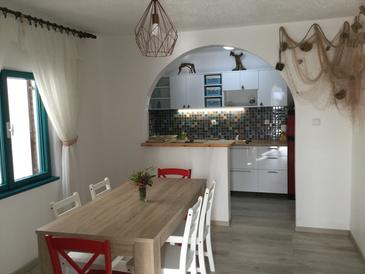 Grebaštica, Dining room in the apartment, air condition available, (pet friendly) and WiFi.