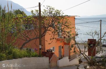 Duće, Omiš, Property 5275 - Apartments near sea with sandy beach.