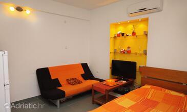 Split, Living room in the studio-apartment, dopusteni kucni ljubimci.