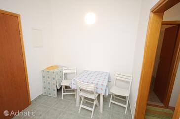 Duće, Dining room in the studio-apartment.