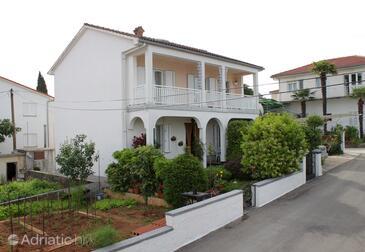 Malinska, Krk, Property 5283 - Apartments by the sea.