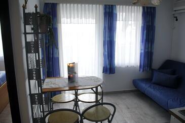 Jadranovo, Jadalnia w zakwaterowaniu typu apartment, Dostępna klimatyzacja i WiFi.