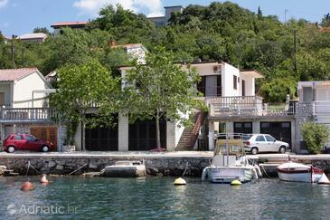 Jadranovo, Crikvenica, Obiekt 5286 - Apartamenty przy morzu ze żwirową plażą.