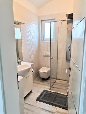 Njivice, Bathroom in the apartment, WiFi.
