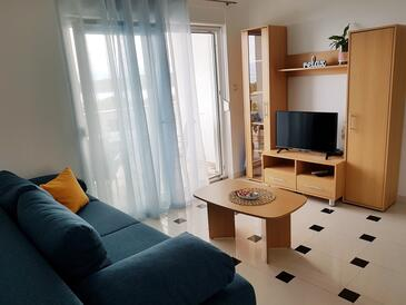 Njivice, Dnevna soba v nastanitvi vrste apartment, dostopna klima in WiFi.