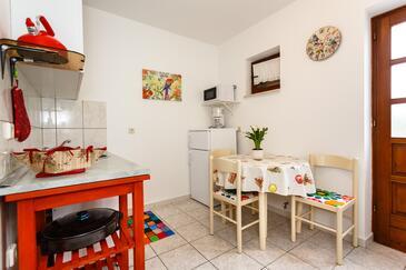 Vrbnik, Dining room in the apartment, dopusteni kucni ljubimci i WIFI.