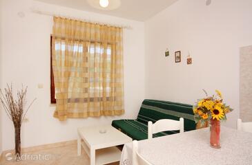 Vrbnik, Pokój dzienny w zakwaterowaniu typu apartment, zwierzęta domowe są dozwolone i WiFi.