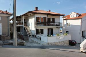 Apartments and rooms with parking space Vrbnik, Krk - 5301