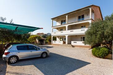 Kornić, Krk, Объект 5306 - Апартаменты с галечным пляжем.
