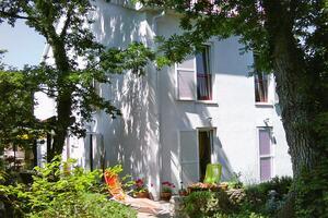 Apartmaji s parkingom Njivice (Krk) - 5309