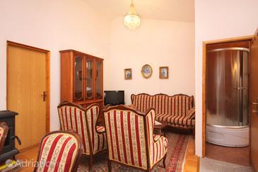 Malinska, Living room in the apartment, dopusteni kucni ljubimci i WIFI.