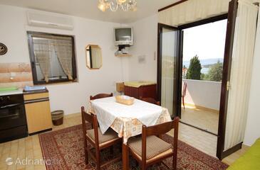 Krk, Blagovaonica u smještaju tipa apartment, dostupna klima, kućni ljubimci dozvoljeni i WiFi.