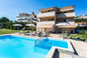 Family friendly apartments with a swimming pool Baška, Krk - 5339