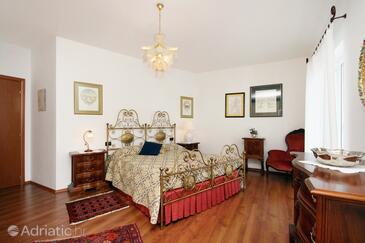 Novi Vinodolski, Bedroom in the room, dopusteni kucni ljubimci.
