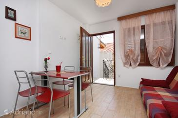 Selce, Dining room in the apartment.