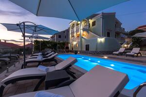 Family friendly apartments with a swimming pool Punat, Krk - 5345