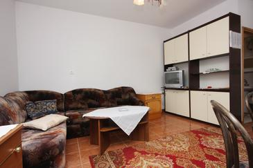 Punat, Woonkamer in the apartment, air condition available en WiFi.