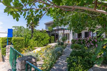 Punat, Krk, Property 5351 - Apartments by the sea.