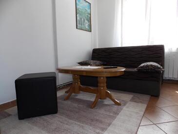 Malinska, Obývací pokoj v ubytování typu apartment, domácí mazlíčci povoleni a WiFi.