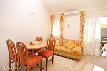 Klimno, Living room in the apartment, dopusteni kucni ljubimci.