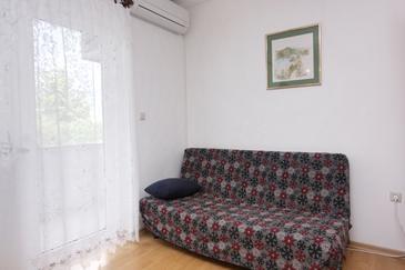 Krk, Pokój dzienny w zakwaterowaniu typu apartment, dostupna klima, dopusteni kucni ljubimci i WIFI.