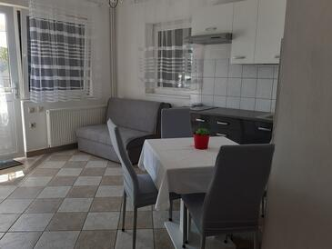 Krk, Living room in the apartment, (pet friendly) and WiFi.