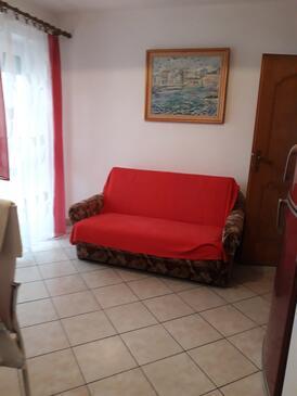 Krk, Pokój dzienny w zakwaterowaniu typu apartment, zwierzęta domowe są dozwolone i WiFi.