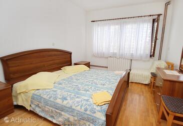 Krk, Bedroom in the room, dopusteni kucni ljubimci.
