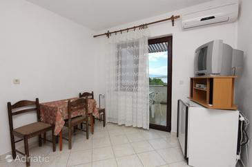 Punat, Dining room in the apartment, dostupna klima i dopusteni kucni ljubimci.