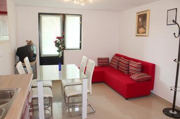 Artatore, Obývací pokoj v ubytování typu apartment, domácí mazlíčci povoleni a WiFi.