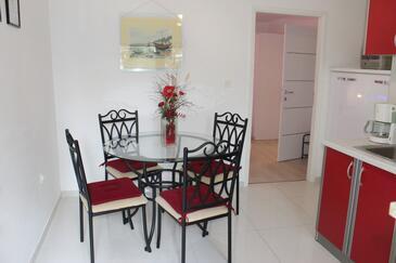 Artatore, Jídelna v ubytování typu apartment, domácí mazlíčci povoleni a WiFi.