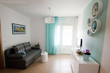 Vrbnik, Living room in the apartment, dopusteni kucni ljubimci i WIFI.