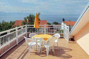 Apartments and rooms with parking space Njivice, Krk - 5398