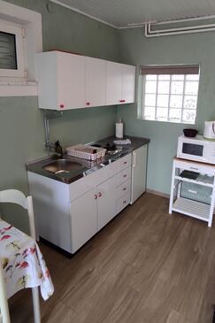 Punat, Kitchen in the studio-apartment, dostupna klima, dopusteni kucni ljubimci i WIFI.