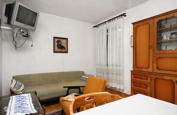 Baška, Dnevna soba v nastanitvi vrste apartment, dostopna klima, Hišni ljubljenčki dovoljeni in WiFi.
