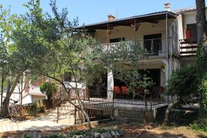 Apartments and rooms with parking space Punat, Krk - 5414