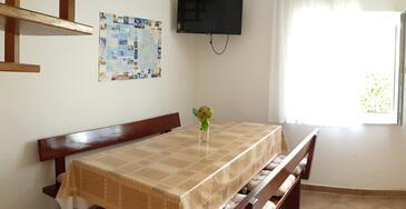 Vantačići, Sala da pranzo nell'alloggi del tipo apartment, WiFi.
