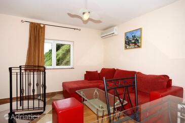 Vrbnik, Obývací pokoj v ubytování typu house, s klimatizací, domácí mazlíčci povoleni a WiFi.
