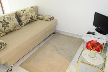 Njivice, Living room in the studio-apartment, WIFI.