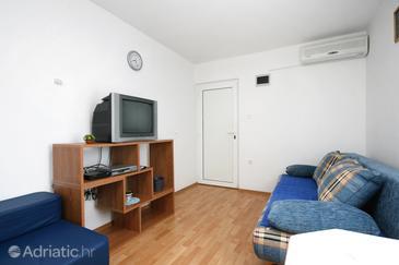 Šilo, Living room in the apartment, dostupna klima i WIFI.