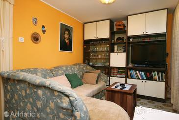 Malinska, Living room in the apartment, dopusteni kucni ljubimci i WIFI.