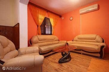 Zavalatica, Obývací pokoj v ubytování typu apartment, s klimatizací, domácí mazlíčci povoleni a WiFi.
