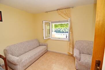 Rasohatica, Pokój dzienny w zakwaterowaniu typu apartment.