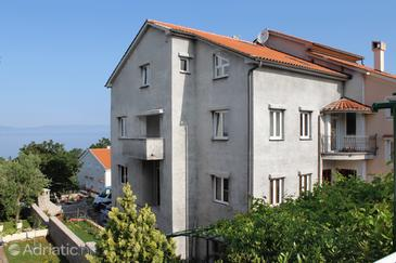 Njivice, Krk, Hébergement 5458 - Appartements et chambres avec une plage de galets.