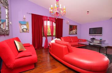 Vrbnik, Pokój dzienny w zakwaterowaniu typu apartment, Dostępna klimatyzacja.